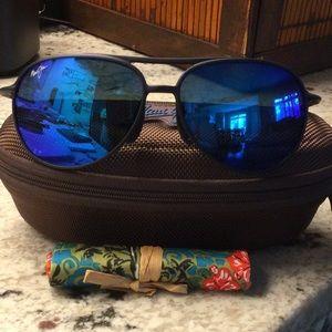 Maui Jim sunglasses with polarized lenses NWOT